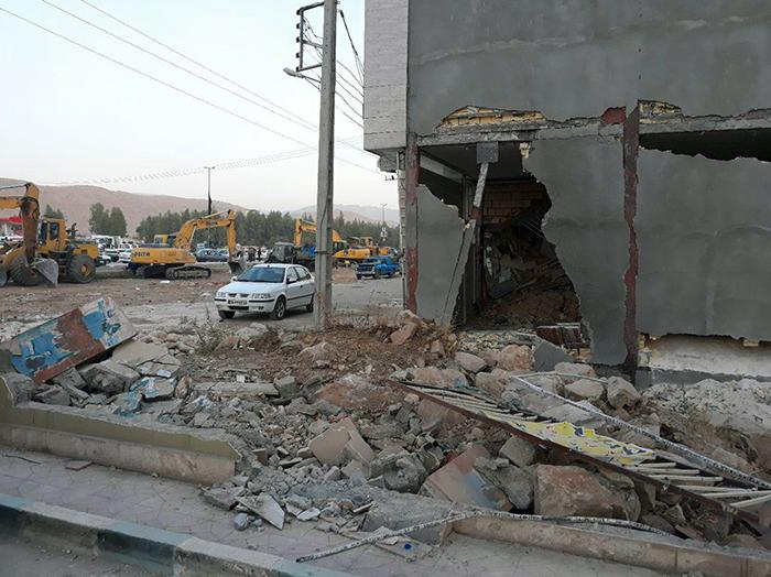 با ساختمان های آسیب دیده در اثر زلزله چه باید کرد؟