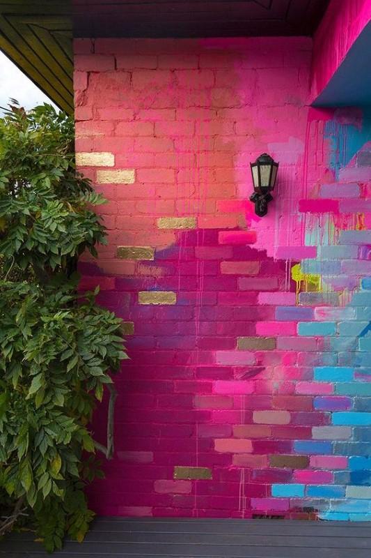 دکوراسیون بهاری رنگا رنگ نمای بیرونی خانه