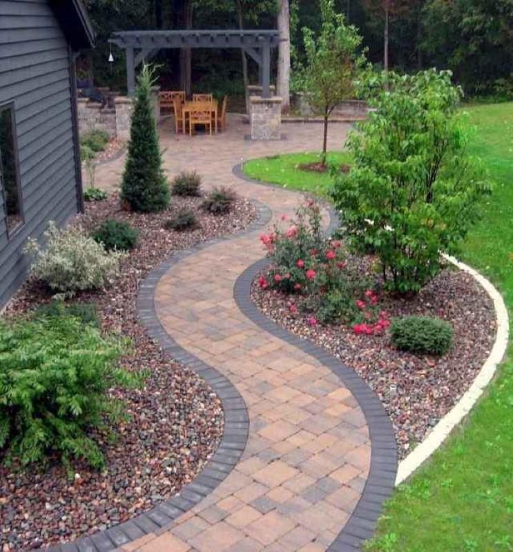 نقش پیاده رو در محوطه سازی باغ